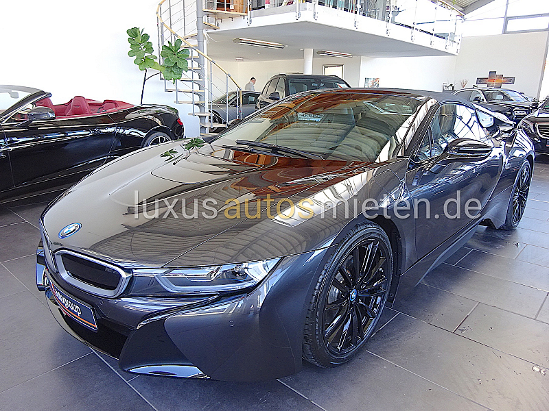 BMW i8 Roadster_0