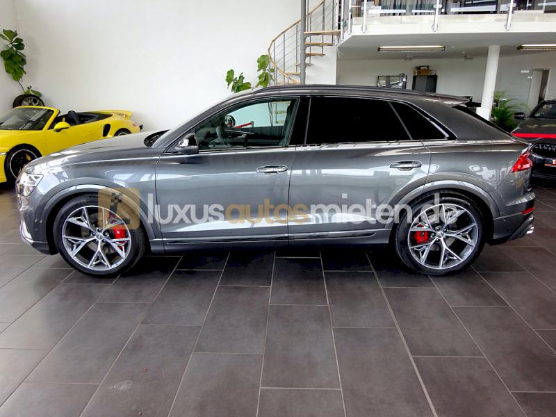 Audi SQ8 _1