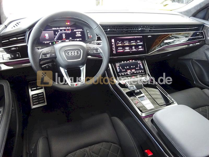 Audi SQ8 _8