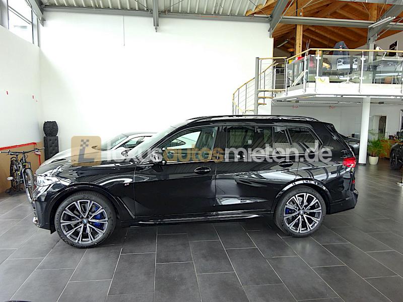 BMW X7 M50d_1