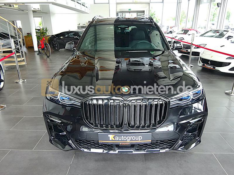 BMW X7 M50d_7