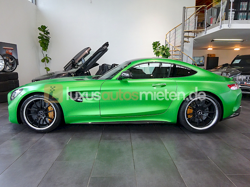 Mercedes-Benz AMG GT R Coupe_1