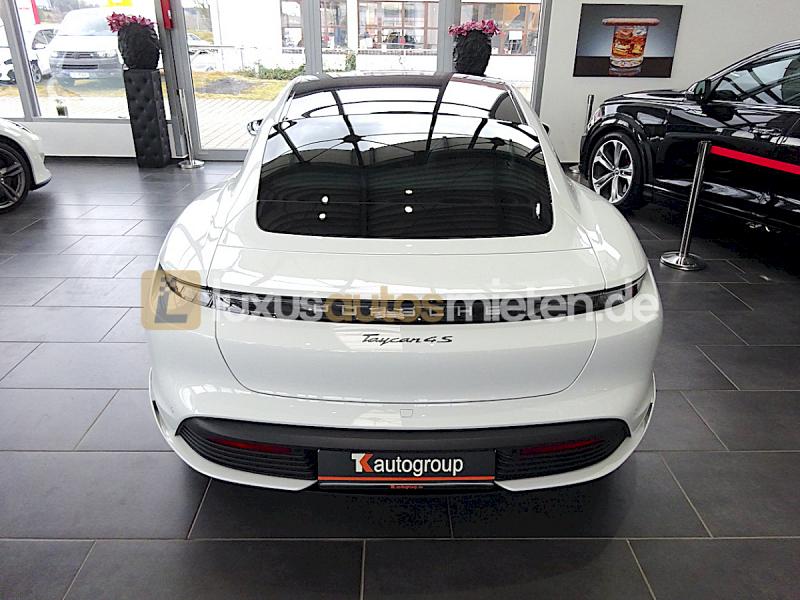 Porsche Taycan 4S_3