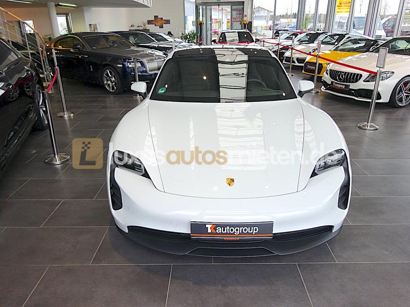 Porsche Taycan 4S_7