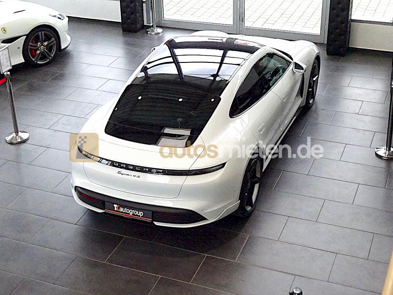 Porsche Taycan 4S_4