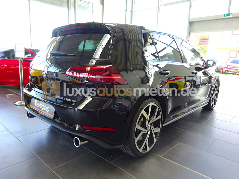Volkswagen Golf GTI Performance _5