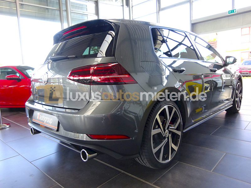Volkswagen Golf GTI Performance _5