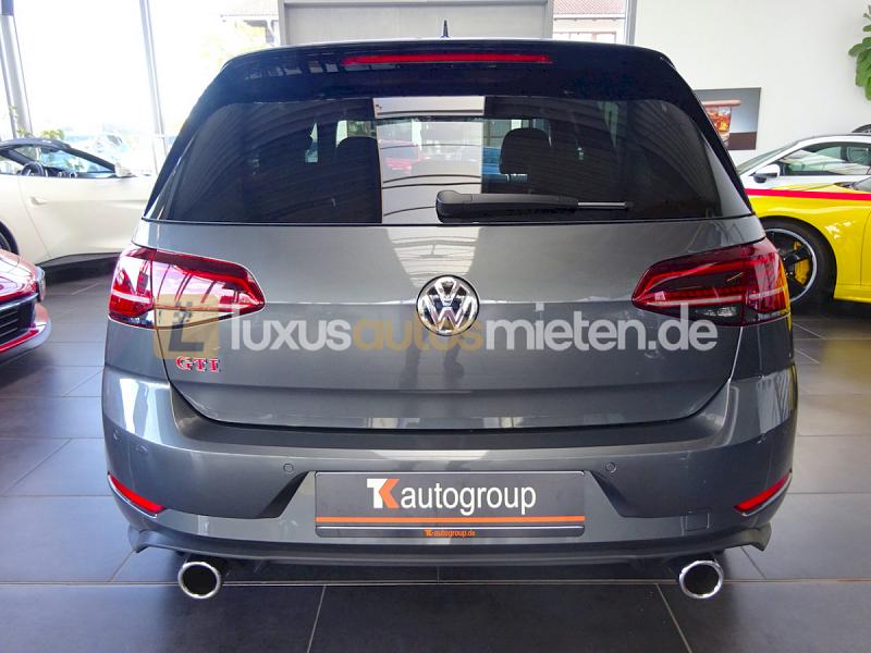 Volkswagen Golf GTI Performance _3