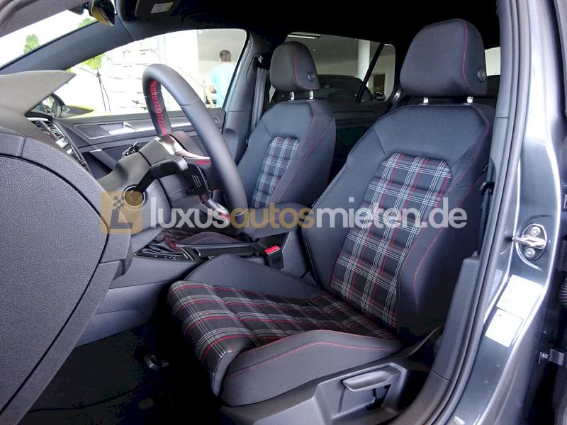 Volkswagen Golf GTI Performance _8