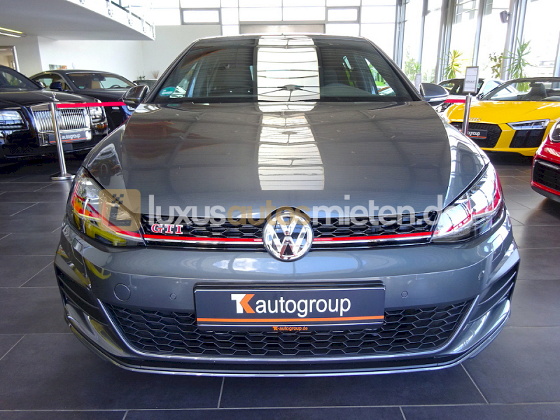 Volkswagen Golf GTI Performance _7
